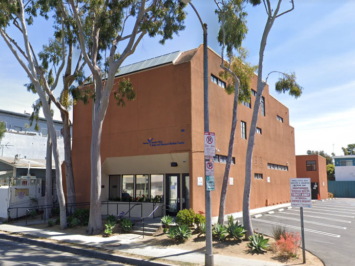 APLA - Common Ground, Venice Family Clinic Food pantry