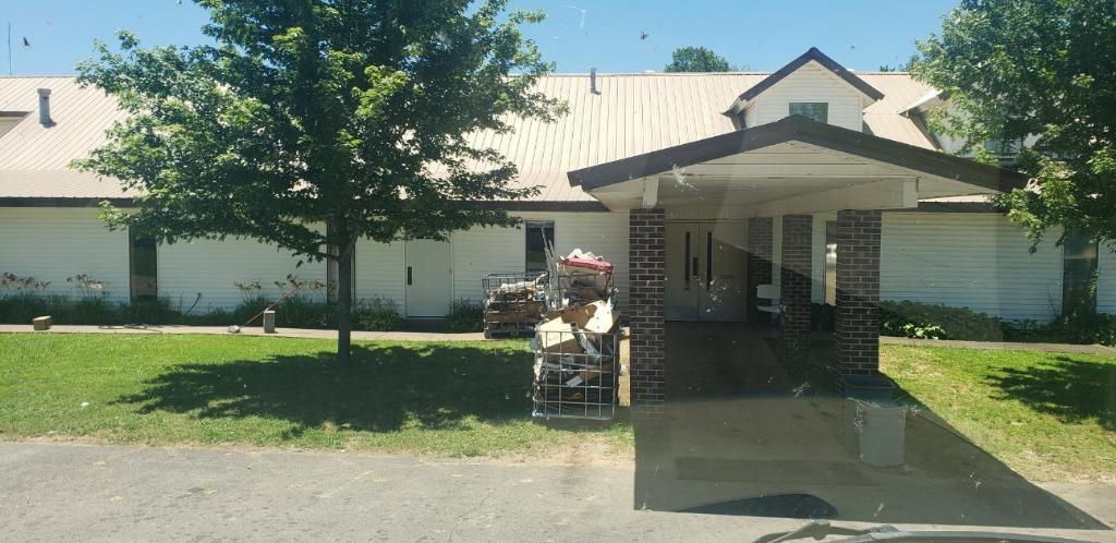 Clarksville SDA Church - Food Pantry